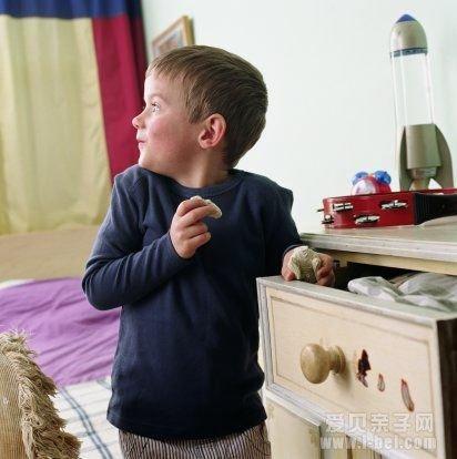 幼儿园孩子偷钱 家长应该如何处理_爱贝亲子网
